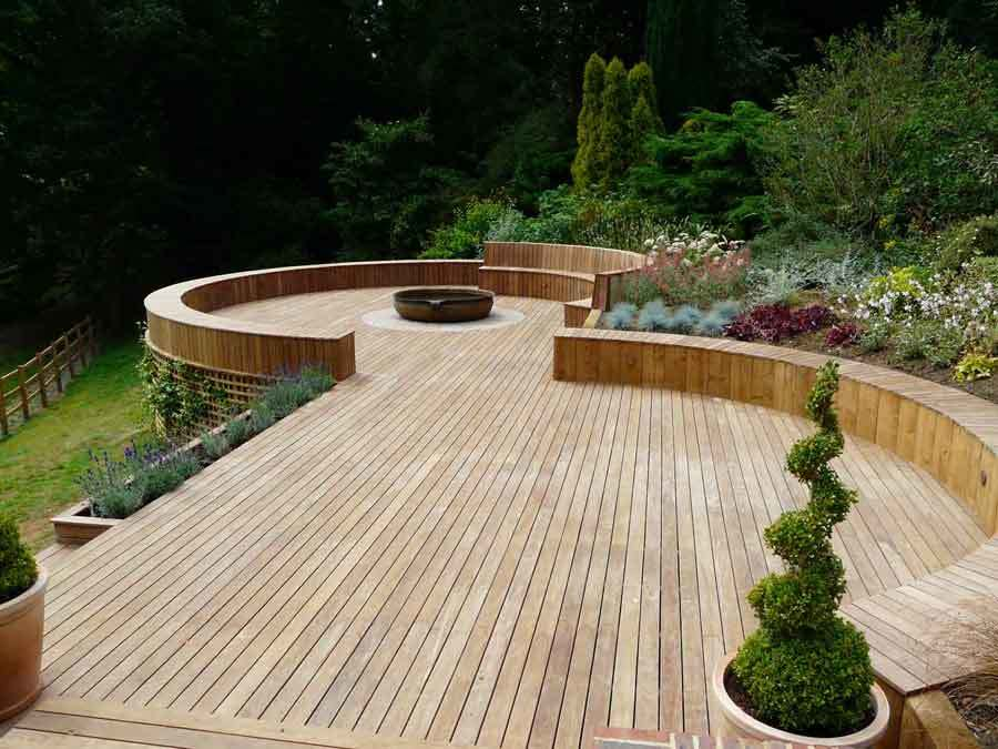 Pleveys landscape gardeners gardening service in doncaster for Garden decking designs uk